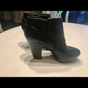 EUC Gianni Bini Boots